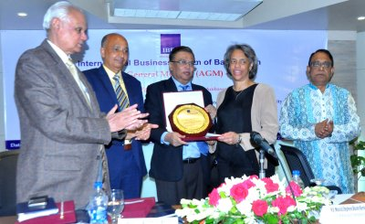 Mr. Md. Omar Shafayat Kausar, Former Vice President, IBFB handed over the crest of Chief Guest to H.E. Marcia Stephens Bloom Bernicat, U.S. Ambassador to Bangladesh in the 13th AGM of IBFB